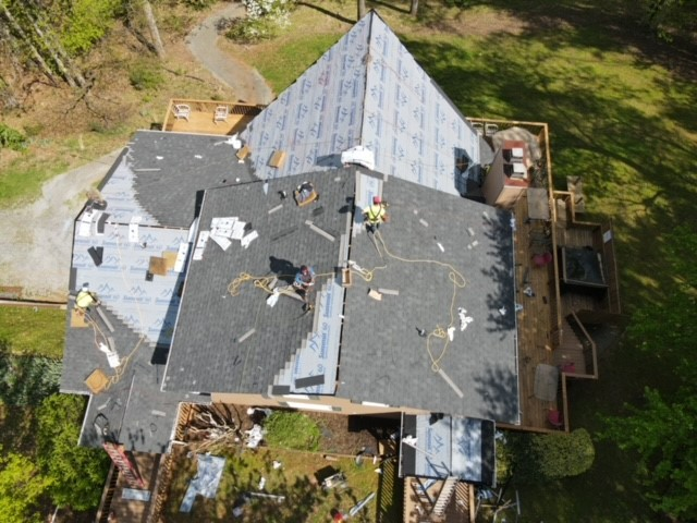 New residenital roof installation in progress